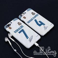 LALIGA レアルマドリード 2017-18シーズン ホームユニフォーム クリスティアーノロナウド Cロナウド サイン入り iPhoneX iPhone8 iPhone7 ケース #laliga #realmadrid #uniforms #cristianoronaldo #sergioramos #iphone8 #ラリーガ #レアルマドリード #ジャージ #Cロナウド #セルヒオラモス #アイフォーンケース Soccer Pictures, Soccer Pics, Champions, Cristiano Ronaldo, Phone Cases, Life, Gadgets, Posters, Wallpaper