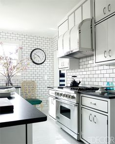 White Subway Tile Kitchen: Dark Grout In Between Subway Tiles And Framed Custom Cabinets Make A Stylish Black And White Statement In The Kitchen With Viking Stove White Stainless Hood Countertops Silver Pulls Miles Redd In – NYgeekcast Subway Tile Kitchen, Kitchen Backsplash, Kitchen Countertops, Kitchen Cabinets, Subway Tiles, Floors Kitchen, Stone Kitchen, Viking Kitchen, Kitchen Remodeling