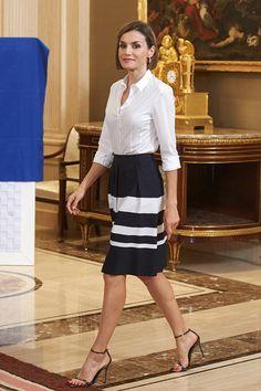 Reina Letizia de España en black & white | Galería de fotos 1 de 15 | Vogue México