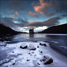 Crannog Loch Tay - Scotland (Angus Clyne)