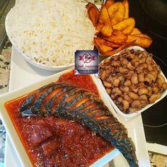 L'image contient peut-être: nourriture Nigeria Food, Ghana Food, Cameroon Food, West African Food, Haitian Food Recipes, Mets, Perfect Food, International Recipes, Soul Food