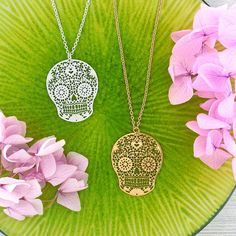 LAVISHY designs & wholesale original & beautiful applique bags, wallets, pouches & accessories for gift shop/boutique buyers in USA, Canada & worldwide. Skull Necklace, Pendant Necklace, Gift Shops, Clothing Boutiques, Filigree Earrings, Makeup Pouch, Online Shopping, Plating, Fashion Accessories