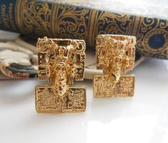 Retro Vintage Mayan Aztec Tribal Inspired Design Gold Tone Clip On Earrings Z25