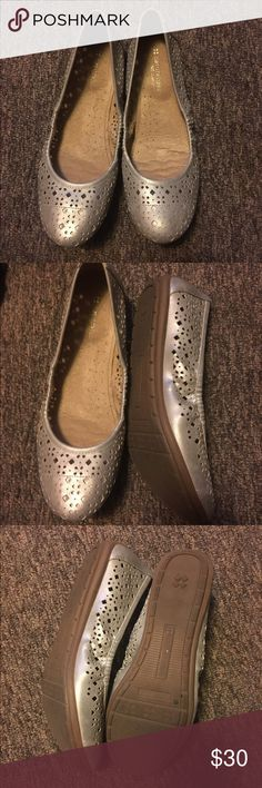 Naturalizer ballet flats Size 9.5, worn once, very comfortable and thick soles with good support. Naturalizer Shoes Flats & Loafers