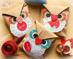 Owl gift wrapping tutorial with printable template