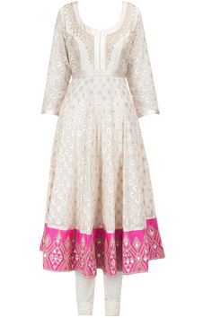 Cream and pink gold embroidered kurta set available only at Pernia's Pop-Up Shop.