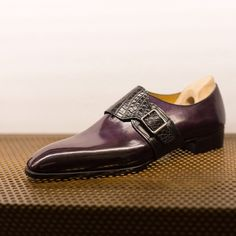 Beautiful monkstrap.