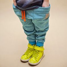 Cool baggy pants with huge side pockets for the WataCukrowa kidswear collection