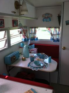 Love the touches of aqua. Travel Trailer Interior, Camper Interior, Vintage Camper Redo, Vintage Campers, Cute Curtains, Retro Camping, Small Trailer, Vintage Travel Trailers, Camper Trailers