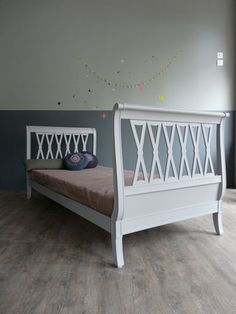 daybed - guest room Small Beds, Abby Cadabby, Daybeds, Big Girl Rooms, Guest Room, Toddler Bed, Nursery, Interiors, French