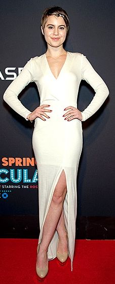 The Blue Bloods beauty rocked a plunging dress that featured a thigh-high slit on the red carpet.
