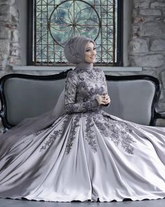 Hijab styles 474707616973144915 - Görüntünün olası içeriği: 1 kişi Source by sumeyyeturkmen Hijabi Wedding, Muslimah Wedding Dress, Hijab Style Dress, Hijab Wedding Dresses, Wedding Gowns, Wedding Bride, Beautiful Dress Designs, Most Beautiful Dresses, Beautiful Beautiful