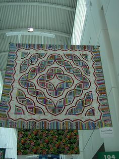 """""""Snake River"""" Quilt Pattern by Judy Martin. 93""""X93"""" Queen size. From the book """" Judy Martin's Log Cabin Quilt Book""""."""