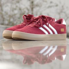687c7b0577 207 melhores imagens de Sneakers