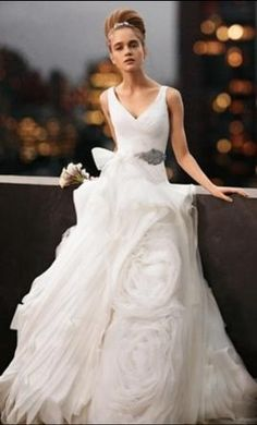 Vera Wang White VW351029 2: buy this dress for a fraction of the salon price on PreOwnedWeddingDresses.com
