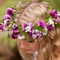 Learn how to make this simple, and very inexpensive floral crown. Great for flower girls, dress up, or boho chic photo shoot!