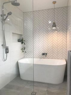 65 Modern Bathroom Renovation on a Budget - Bathroom ideas Bathroom Layout, Modern Bathroom Design, Bathroom Interior Design, Wet Room Bathroom, Bathroom Ideas On A Budget Modern, Small Master Bathroom Ideas, Tile Layout, Bathroom Showers, Bathroom Cabinets