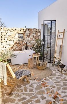 Outdoor Decor, Outdoor Bathrooms, Dream Decor, Outdoor Baths, Outdoor Shower, Mediterranean Homes, Porch And Balcony, Desert Homes, Rustic House