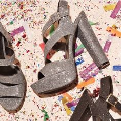PM EDITOR PICK FINAL PRICE! Steve Madden Heels Totally cute for that NYE party!! Super comfortable platform for any dress or pair of jeans! Perfect amount of sparkle for any outfit! NEW IN BOX‼️ trades/ PP ✔️bundle discount  use the blue button to make an offer Steve Madden Shoes Platforms