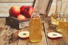 Jablečný ocet na hubnutí funguje! Denně dvě lžičky a kila půjdou dolů Fiber In Apple, Good Source Of Carbs, Organic Vinegar, Decrease Appetite, Apple Benefits, Sour Taste, Reduce Cholesterol, Calorie Intake, Eating Raw