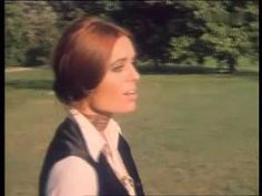 Daliah Lavi - Oh wann kommst Du 1970 - YouTube video also features the German song text. Great way to memorise the days of the week through the melody.