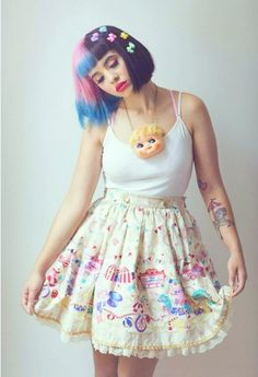 Melanie Martinez Its like people themselves are starting to dress like a piece of art Can't say I don't like it! :)
