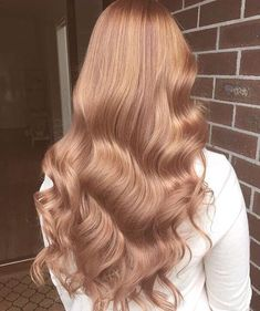 Super hair color copper blonde strawberries ideas - Hairstyles For All Copper Blonde, Brown Blonde Hair, Blonde Curls, Copper Rose Gold Hair, Curls Hair, Curled Hairstyles, Cool Hairstyles, Vintage Hairstyles, Blond Rose