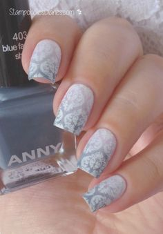 Baroque Nails Anny 403 blue fashion show, 225 lilac powder, Born Pretty BP-L 007, Essence 33 wild white base