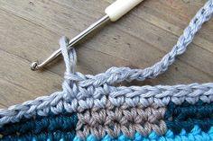 Crochetalong Teil 5 Henkel schoenstricken.de Clothes Hanger, Crochet Necklace, Knitting, Jewelry, Crotchet, Amigurumi, Cast On Knitting, Nice Asses, Ideas