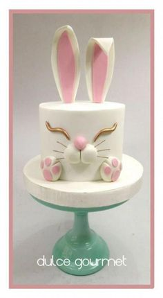 by Silvia Caballero Bunny cake! by Silvia Caballero Bunny cake! by Silvia Caballero Bunny cake! by Silvia Caballero Fancy Cakes, Cute Cakes, Pretty Cakes, Fondant Cakes, Fondant Figures, Cupcake Cakes, Easter Cake Fondant, Fondant Birthday Cakes, Simple Fondant Cake