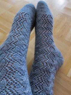 Sock recipe for lacy toe-up socks