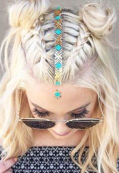 Idée Tendance Coupe & Coiffure Femme 2018 : Braids for the Summer Everyday Hairstyles, Bun Hairstyles, Hairstyle Ideas, Trendy Hairstyles, Beautiful Hairstyles, Coachella Hairstyles Short, Hairstyles Pictures, Short Haircuts, 2 Buns Hairstyle