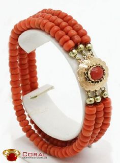 Be the center of attention with this beautiful coral gold bracelet