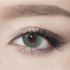 The most natural colored contacts in the world - Get Kylie Jenner Blue Eyes now!