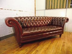 stunning vintage swept arm 3 seat sofa leather ref154. Interior Design Ideas. Home Design Ideas