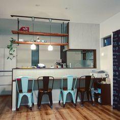 引っ越しから明日で一週間。 ようやく新しい我が家に慣れてきました☺  #マイホーム #LIXIL #totoキッチン  #キッチンカウンター  #ペンダントライト #dフロア  #ライトメープル Decor, Furniture, Conference Room, Room, Table, Home Decor, Conference Room Table