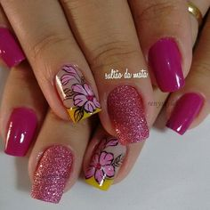 30 Gorgeous nail art designs that you will really love - Reny styles Elegant Nail Designs, Flower Nail Designs, Simple Nail Art Designs, Flower Nail Art, Beautiful Nail Designs, Gorgeous Nails, Pretty Nails, Hot Nails, Hair And Nails