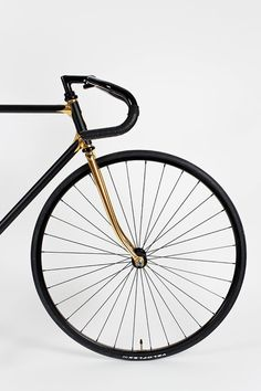 Gold and black road/track bike