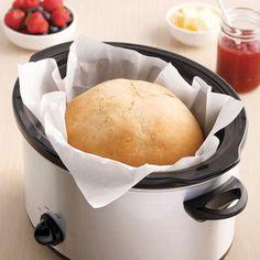 Miche de pain à la mijoteuse - 5 ingredients 15 minutes - New Ideas Crock Pot Slow Cooker, Slow Cooker Recipes, Crockpot Recipes, Baguette, Baking Recipes, Food Porn, Food And Drink, Favorite Recipes, Yummy Food