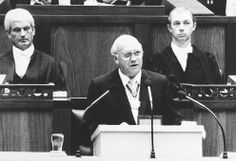 South African State President F.W. de Klerk, announces the unconditional release of jailed ANC leader Nelson Mandela, the unbanning of the ANC, PAC and South African Communist party and the lifting of the state of emergency during parliament in Cape Town, South Africa, on February 2, 1990. (AP Photo/Dana Le Roux-Argus) #