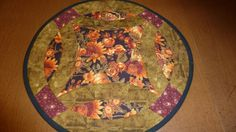 Double Wedding Ring Vase Mat by Quiltbuilders on Etsy