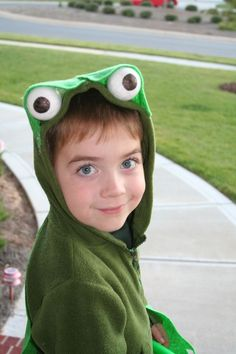 diy frog costume.....for Tanner's musical