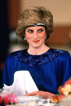 From 1920's tennis players to '80s sitcom stars, consider this your headband lesson through history.