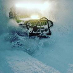 Jeep in the snow Jeep Cj7, Jeep Wrangler Tj, Jeep Wrangler Unlimited, Jeep Rubicon, Hummer, Jeep Carros, Green Jeep, Badass Jeep, Offroader