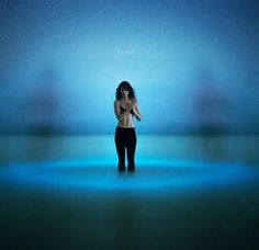 Photographer Eric Paré harnesses the power of bioluminescent phytoplankton.