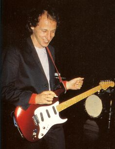 Knopfler with Schecter lawsuit guitar early eighties Tunnel Of Love, Dire Straits, Schecter, Mark Knopfler, Great Bands, Guitar Picks, Artists, Rock, Guitars