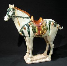 Important Sancai Horse Tang Dynasty (618-906) In white terra-cotta 3 colors glazed H.56,5cm L.60,5cm Oxford test