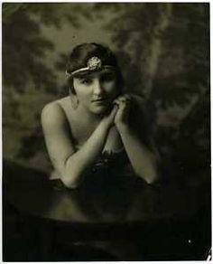 Beatrice-Dorothea-Olds-1910s-Original-Vintage-Gelatin-Photo-Stage-Actress