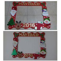 Marco de fotos para Navidad Christmas Photo Booth, Christmas Frames, Christmas Pictures, Christmas 2019, Christmas Crafts For Kids, Christmas Diy, Christmas Wreaths, Christmas Decorations, Xmas