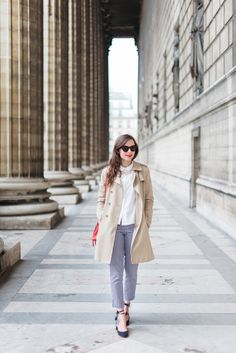 Le pantalon vichy — Mode and The City Trench Coat Beige, Camel Coat Outfit, Classy Outfits, Chic Outfits, Fashion Outfits, Preppy Fashion, Classy Clothes, Style Preppy, My Style